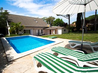Catalunya Casas: Lovely Villa Llagostera for 8, only 18km to Costa Brava beaches