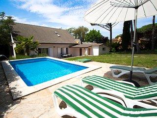 Catalunya Casas: Lovely Villa Llagostera for 8, only 18km to Costa Brava beaches