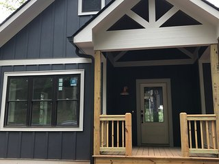 Modern Cottage on Lake Chatuge - Brand New Lakefront Home, Sleeps 8, great view!