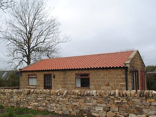 Daisy Cottage, stone built bungalow with beautiful views