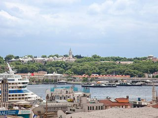 EXCLUSIVE 3 BEDROOMS APARTMENT WITH BREATHTAKING SEA VIEW AT GALATA