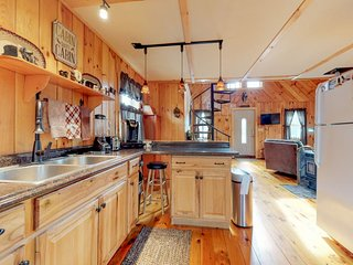 NEW LISTING! Chalet w/modern conveniences-near harbor & Acadia Nat'l Park