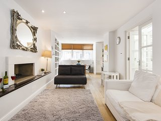 Apartment in London with Internet, Lift, Washing machine (986317)