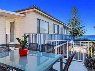 Moana Blue, Unit 3/87 Shoal Bay Road