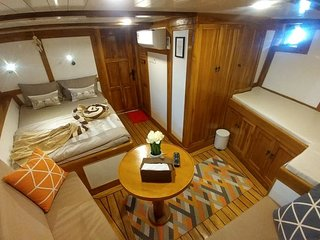 Komodo Luxury Private Phinisi Boat