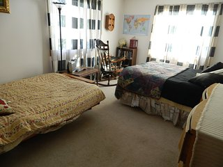 HOMESHARE at ROSE'S COZY MOUNTAINVIEW  Duplex