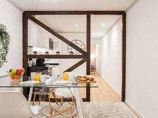 Alfama Patio apartment in Alfama with WiFi & private roof terrace.
