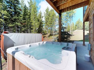 Beautifully updated Big Sky chalet w/ private hot tub, deck & free WiFi!