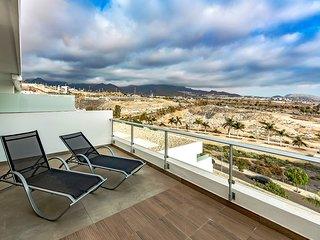 Spectacular penthouse In La Caleta