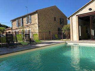 Maison de 200 m2 avec piscine, jacuzzi, Clim