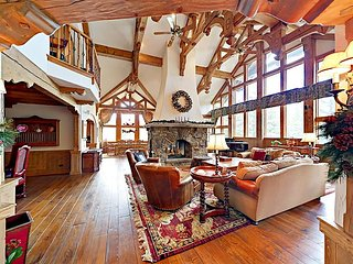 Posh 5BR/6.5BA w/ Gourmet Kitchen & Billiards, Near Beaver Creek Slopes, Golf