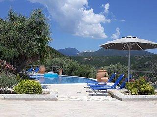 Villas Amantea 5 vista panoramica sul porto di Sivota