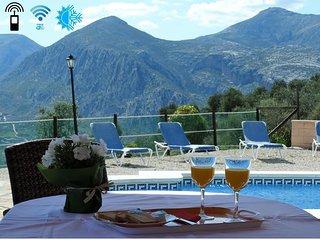 Mirador de la Encina, Villa con impresionantes vistas y piscina todo el ano.