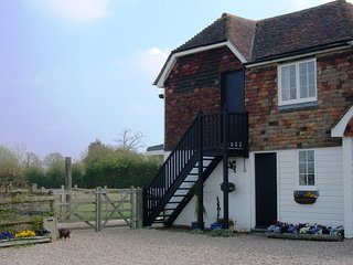 The Stable Cottage is set in an idyllic, rural location near Woodchurch, Kent