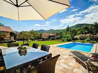 2 bedroom Villa in Veprinac, Primorsko-Goranska Županija, Croatia : ref 5558009