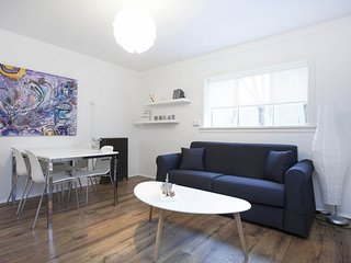 Newly Renovated Apt. In The Heart Of The City!