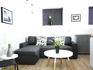 *1-3 Guests* DOWN TOWN Studio Apartment-Close to the cathedral!