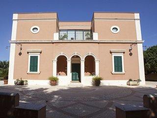 2 bedroom Villa in Casarano, Apulia, Italy : ref 5605602
