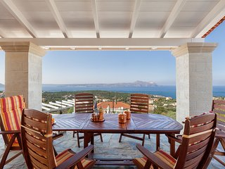 Villa Mosaico luxury villa with views to the sea
