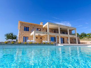 Ca'n Gatulux - Brand new luxury villa in Pollensa. 7 bedrooms and private pool