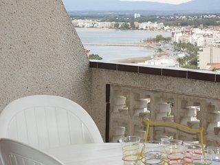 Apartamento en alquiler con vistas al mar en Roses- Lanzarote