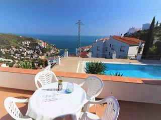 Apartamento de 2 habitaciones con vistas al mar y a la piscina comunitaria