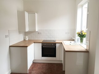 2 Minutes to the Beach, on the Cleveland Way, 2 bedroom House