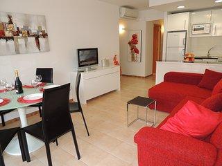 Bonito apartamento renovado de 2 habitaciones con terraza, vistas a la piscina y