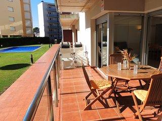 Apartamento con terraza, piscina,parking en Roses