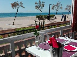 Apartamento en primera linea de playa en Roses en alquiler-RES.PLAGE