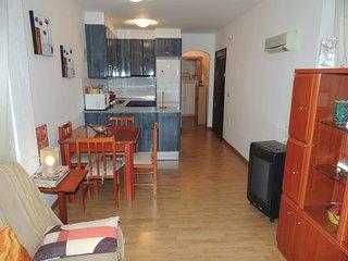 Apartamento en alquiler en Roses a 400 mtrs de la playa-PARAI B3