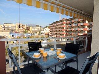 Apartamento en primera linea de mar en Roses en alquiler-RMAR72B