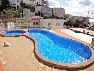 Apartamento alquiler dos habitaciones en Roses con piscina -Acapulco