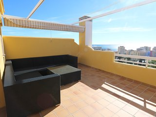 Townhouse with great roof top terrace in Fuengirola