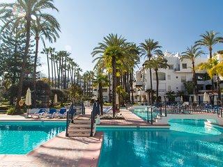 Gorgeous apartment mins from beach - La Alcazaba