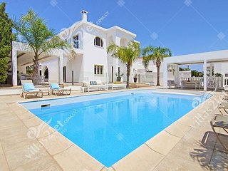 Cyprus Holiday Villa HARMONY Profile
