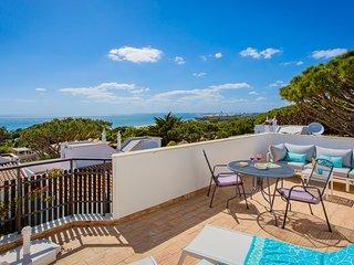 Villa Bella - walking distance to the beach