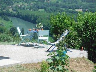 Une terre au grand air : terrasse, vue panoramique à 180° sur la Savoie
