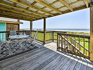 2BR Galveston House w/Private Deck & Gulf Views