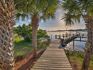 NEW! Waterfront Perdido Key Island Condo w/2 Pools
