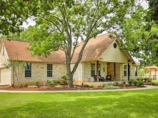 Cozy, Scenic Home -2 Mi to Downtown Fredericksburg