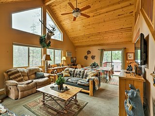 NEW! Cozy Hathaway Pines Mtn Cabin w/Deck & Views!