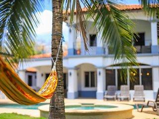 Casa Tres Cocos... Elegant Beachfront House!