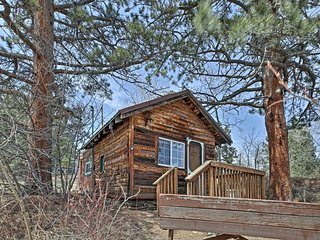 NEW! Cozy Cabin Near Rocky Mountain National Park!
