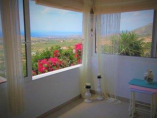 Panoramic View House, 10' beach, 20' airport