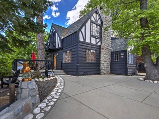 'Palisades Tudor' Cabin - Walk to Lake Arrowhead!