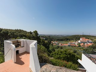Two bedroom apartment in Cascais | Stunning view | Painters paradise