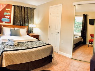#10 Private Studio with Queen and Twin Bunk beds