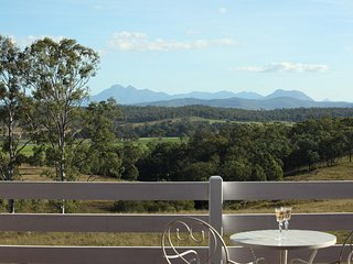 Farringdon Homestead - FULLY INCLUSIVE RURAL ESCAPE