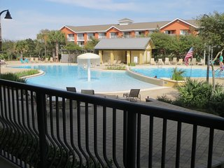 Best Pool in Destin! The Destin Beach Resort, Amazing Rates, Clean Updated Condo